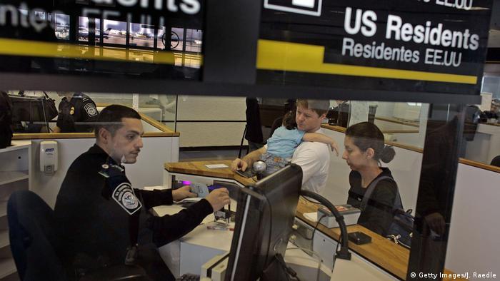Контроль в аэропорту Майами