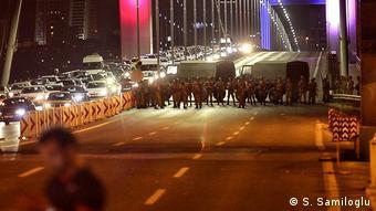 Darbe girişimi sırasında İstanbul'daki Boğaziçi Köprüsü kapatılmıştı.