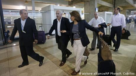 Venezuela Caracas Flughafen Ankunft Ex-Präsidenten (picture alliance/AP Photo/A. Cubillos)