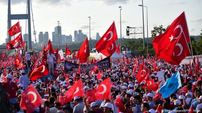 Istanbul Bosporus Brücke Jahrestag Putschversuch
