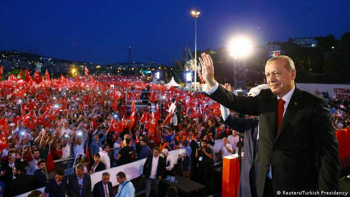 Istanbul Jahrestag Putschversuch Erdogan Rede (Reuters/Turkish Presidency)