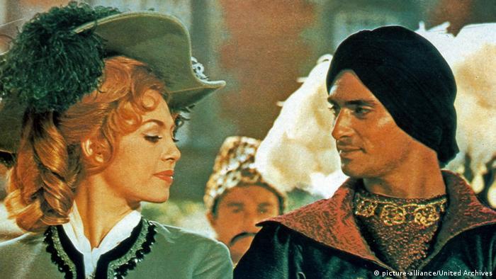 Сцена из фильма Анжелика и король.