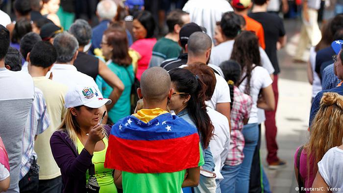 Venezuela Caracas Symbolisches Referendum Opposition (Reuters/C. Veron)