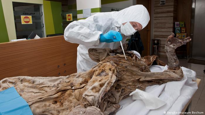 Iran | Mumien aus dem Salzbergwerk in Zanjan (Bergbaumuseum Bochum)