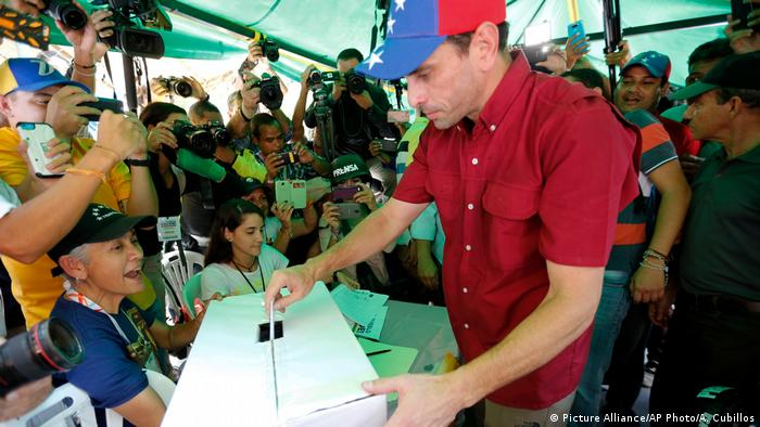Venezuela Caracas Referendum Henrique Capriles (Picture Alliance/AP Photo/A. Cubillos)