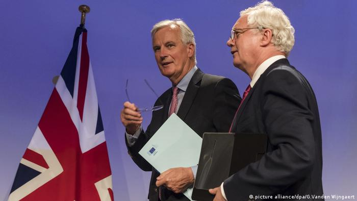 Erste Runde der Brexit-Verhandlungen Michel Barnier David Davis (picture alliance/dpa/G.Vanden Wijngaert)