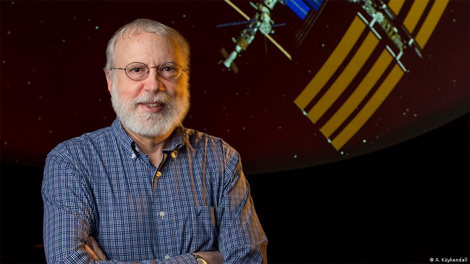 NEIL F. COMINS: Consejos para los futuros colonizadores del espacio