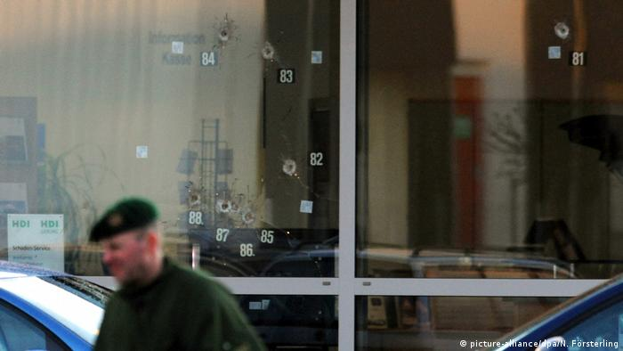 Bullet holes from attack in Wendlingen (picture-alliance/dpa/N. Försterling)
