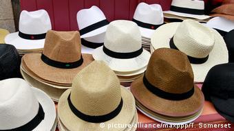 Τώρα αυξάνεται η ζήτηση στα μοντέρνα καπέλα από τους νέους πάνω από 25 ετών