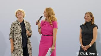 Culture Minister Monika Grütters discusses the new project with TV host Petra Gute and deputy government spokesperson Ulrike Demmer