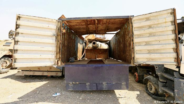 Irak Fahrzeuge für Selbsmordanschläge in Mossul (Reuters/T. Al-Sudani)