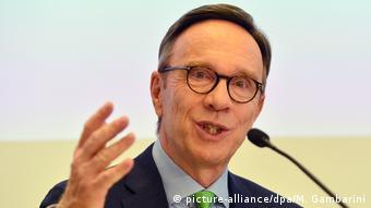 Matthias Wissmann Präsident Verband der Automobilindustrie VDA (picture-alliance/dpa/M. Gambarini)