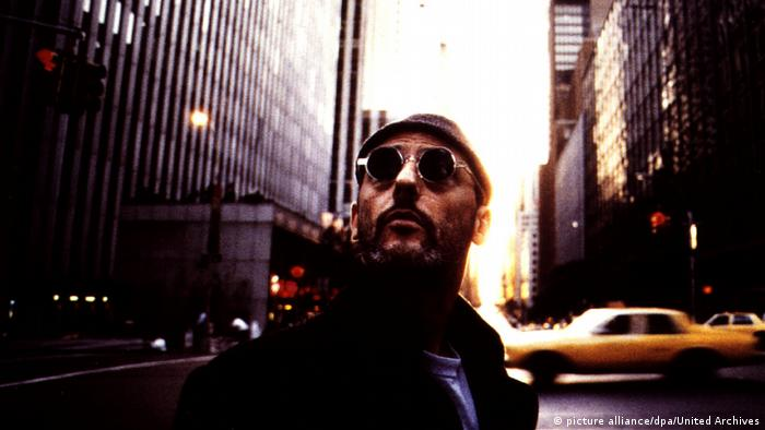 Szene mit Jean Reno in New York aus Léon – Der Profi 1994 (picture alliance/dpa/United Archives)