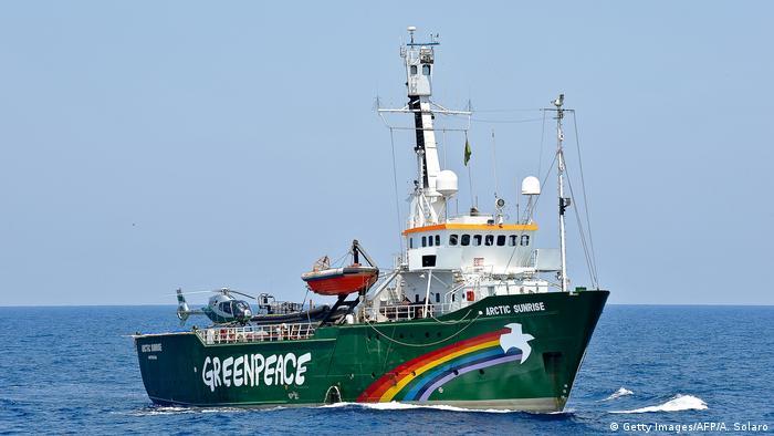 Un barco de Greenpeace.