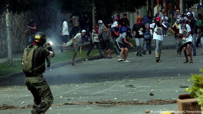Venezuela Proteste (picture-alliance/dpa/C.Hernandez)