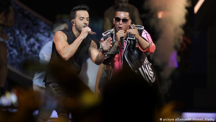 Luis Fonsi, Daddy Yankee (Copyright: picture alliance/AP Photo/L.Sladky)