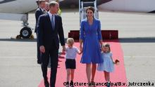 Berlin Prinz William, Herzogin Kate & Kinder (picture-alliance/dpa/B.v. Jutrczenka)