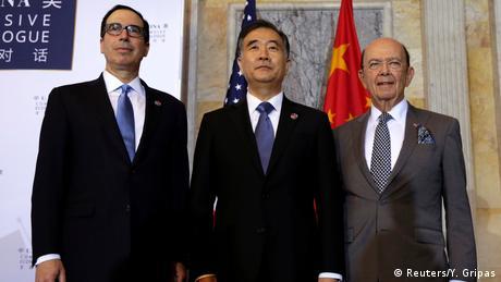 USA Washington - Steve Mnuchin, Wilbur Ross und Wang Yang (Reuters/Y. Gripas)