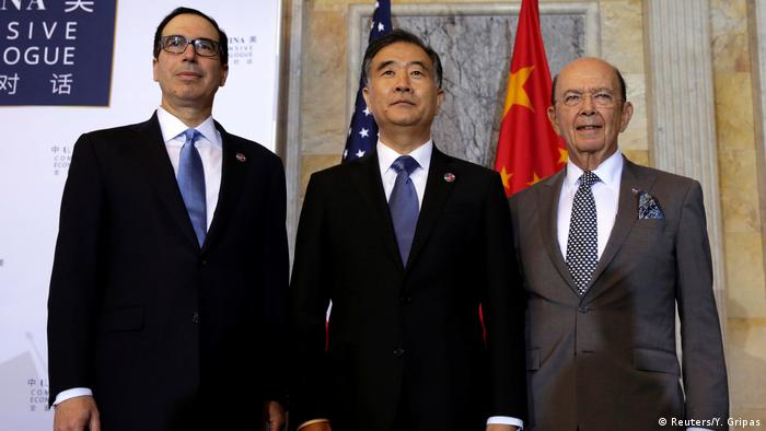 USA Washington - Steve Mnuchin, Wilbur Ross und Wang Yang (Reuters/Y. Gripas)