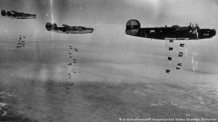 Американские бомбардировщики над Германией, 1945 год
