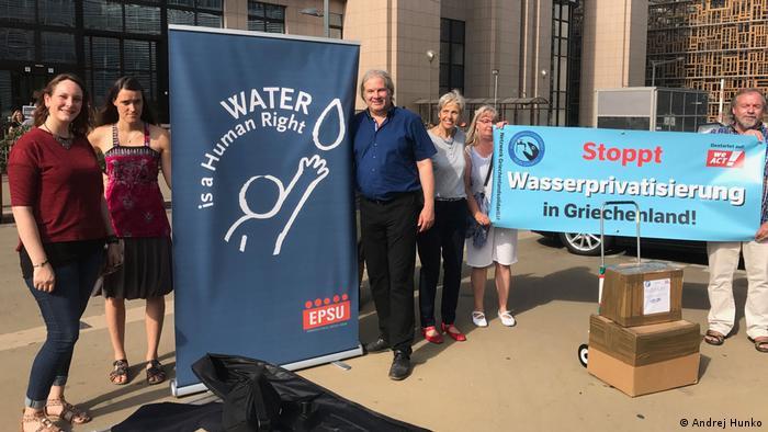 Belgien - Protestaktion in Brüssel gegen die geplante Wasserprivatisierung in Griechenland