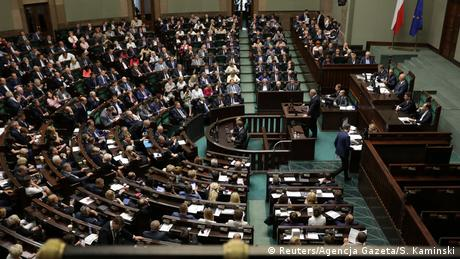 Κυρώσεις για την Πολωνία στη διαμάχη με την ΕΕ;