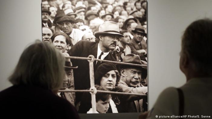 Spanien Hemingway in Pamplona (picture-alliance/AP Photo/S. Senne)