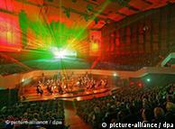 Mendelssohn-Lichtperformance in Leipzig Foto: Waltraud Grubitzsch/ dpa