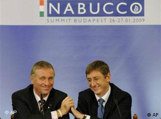 Czech Republic's Prime Minister, current President of the European Union Mirek Topolanek, left, and Hungarian Prime Minister Ferenc Gyurcsany