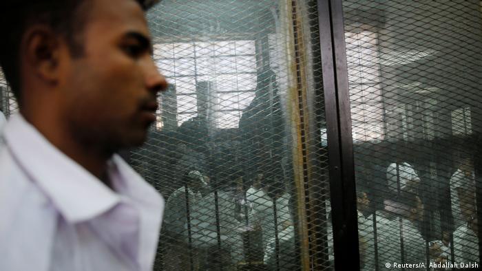 Réus foram sentenciados em junho, mas tribunal aguardava decisão do líder religioso do país