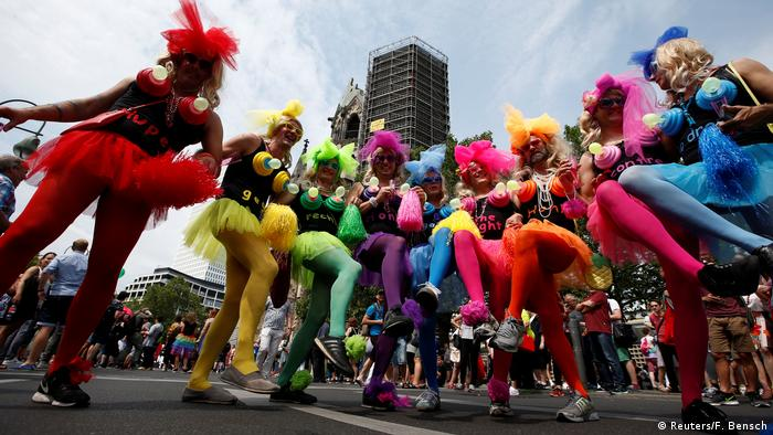 Christopher Street Day in Berlin (Reuters/F. Bensch)
