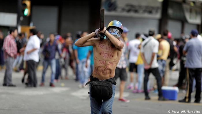 Venezuela - Unruhe (Reuters/U. Marcelino)
