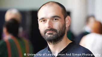El académico y experto en comunicación política Mario Álvarez.