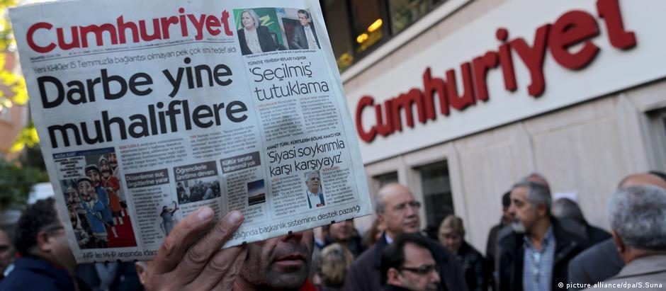 Πέφτει το τελευταίο προπύργιο της ανεξάρτητης δημοσιογραφίας