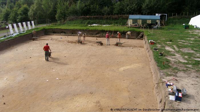 Archaeological dig in Kalkriese (VARUSSCHLACHT im Osnabrücker Land/Hermann Pentermann)