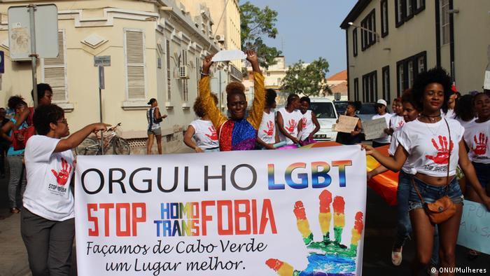 Kap-Verde - Strand-Pride-Parade