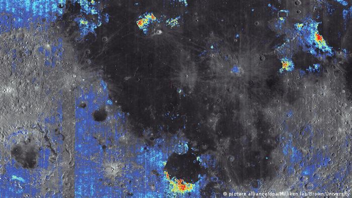 Aufnahme der Mondoberfläche - Wasser auf dem Mond (picture alliance/dpa/Milliken lab/Brown University)