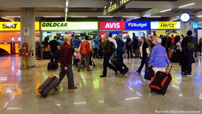 Компанії з прокату авто в аеропорту