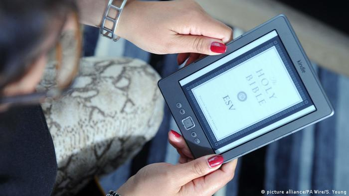 Bibel als EBook-Version (picture alliance/PA Wire/S. Young)