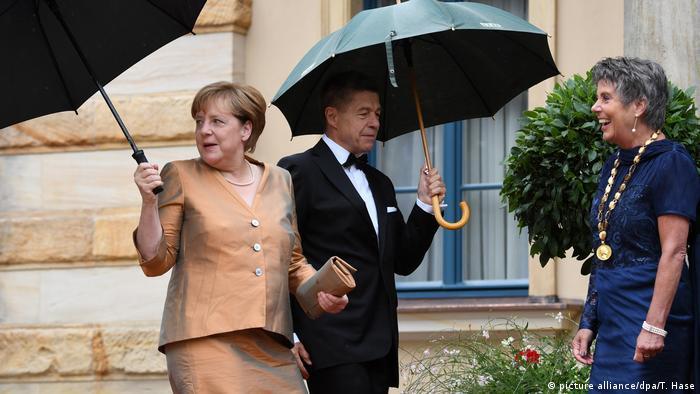 Angela Merkel und Schwedens Königspaar auf Bayreuths rotem Teppich