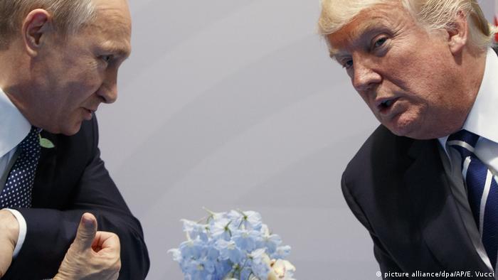 Deutschland Trump trifft Putin (picture alliance/dpa/AP/E. Vucci)