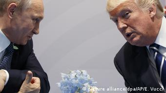 Αποστασιοποιημένος από τις ρωσικές κυρώσεις εμφανίζεται ο Τραμπ