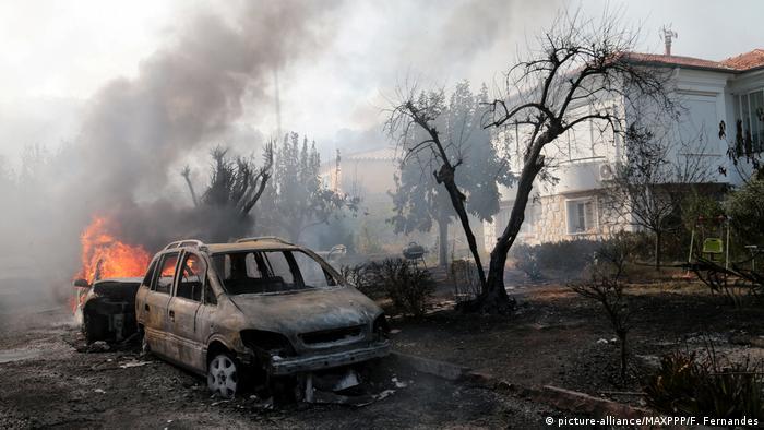 Frankreich Waldbrände (picture-alliance/MAXPPP/F. Fernandes)