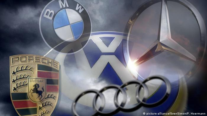 Logos of German carmaers (picture-alliance/SvenSimon/F. Hoermann)