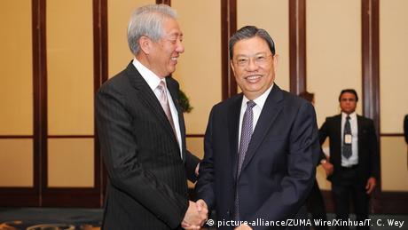 Singapur Zhao Leji und Teo Chee Hean (picture-alliance/ZUMA Wire/Xinhua/T. C. Wey)