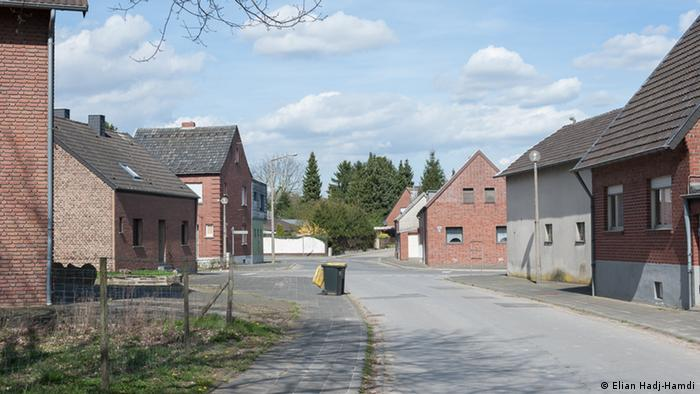Abandoned houses and empty streets shape today's image of Manheim, Germany (Elian Hadj-Hamdi)
