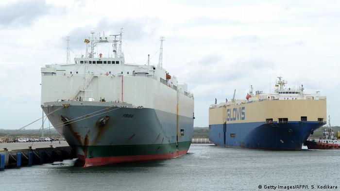 Large ships in Sri Lanka's Hambantota port (Getty Images/AFP/I. S. Kodikara)