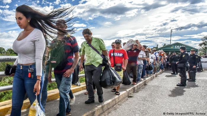 Venezuela Kolumbien Migration (Getty Images/AFP/L. Acosta)