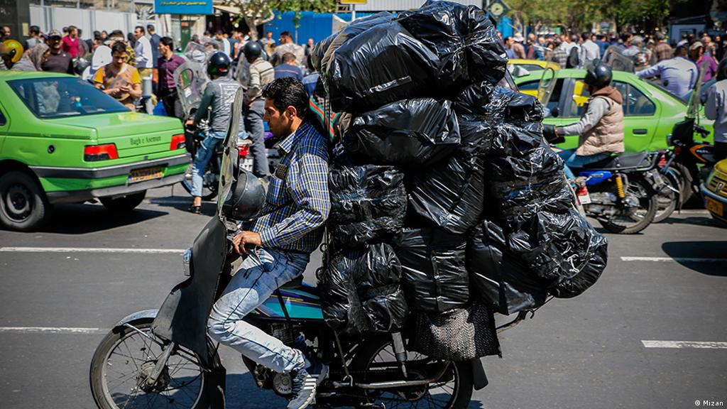 Iran Motorradfahrer in Teheran