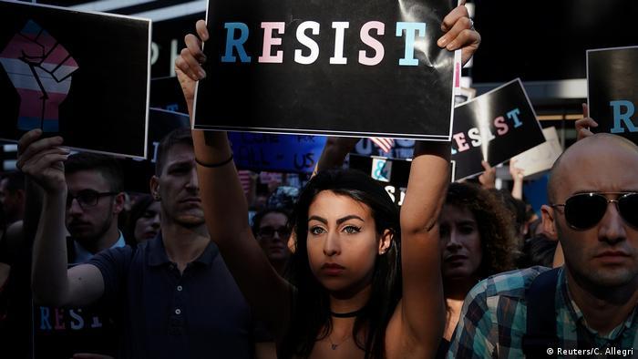 USA - Proteste - Trump will Transgender aus Militär verbannen